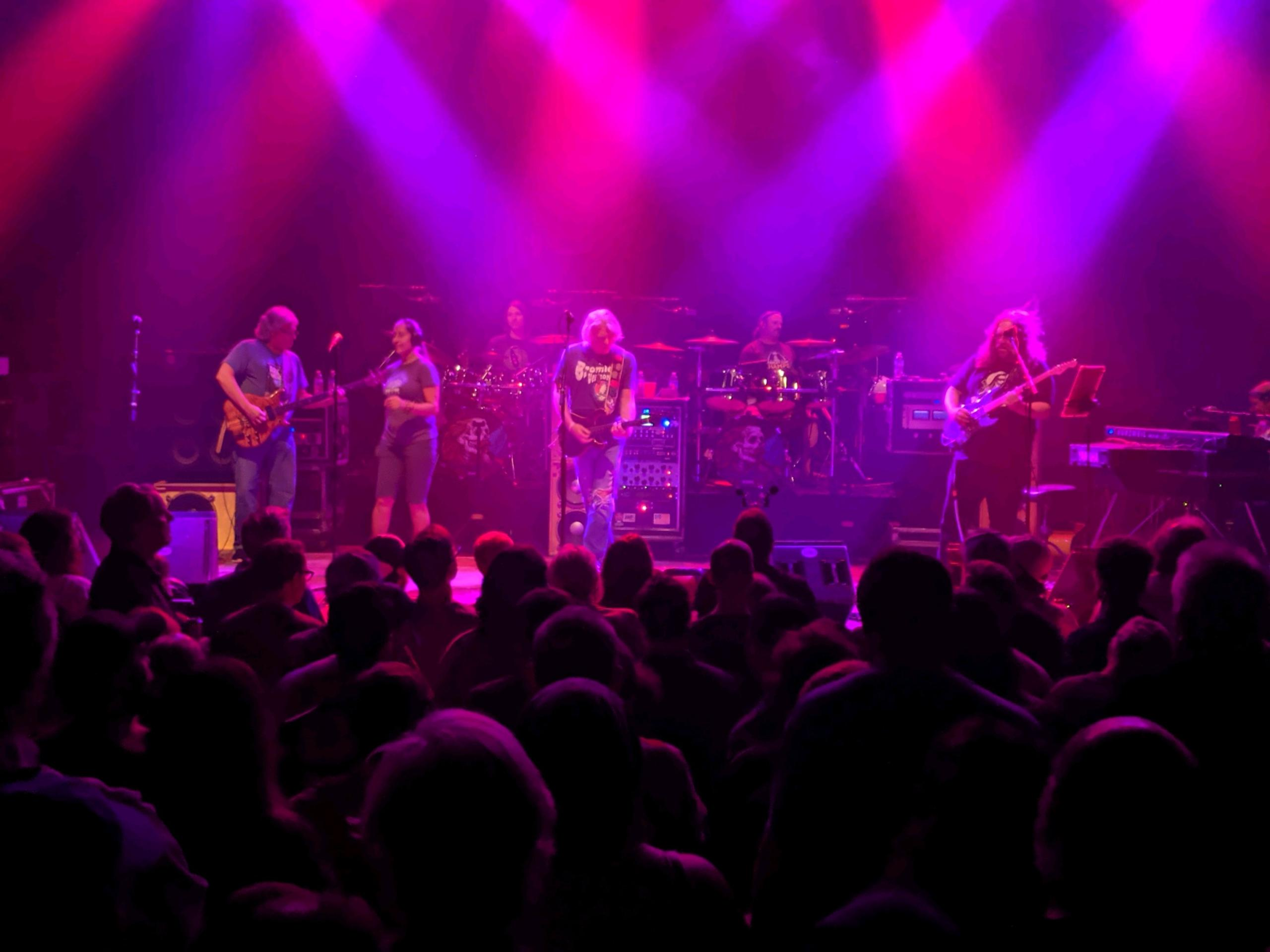 DarkStarOrchestra2019-09-26VicTheaterChicagoIL (3).jpg