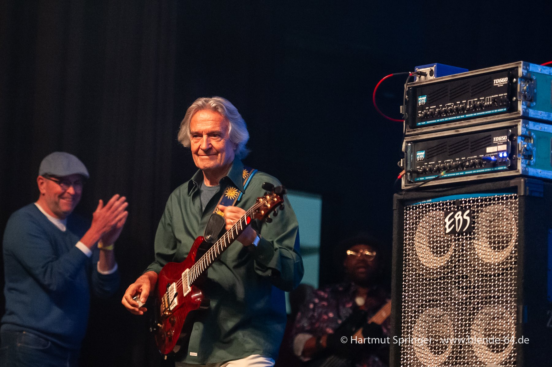 JohnMcLaughlinAndThe4thDimension2019-04-28GronauGermany (12).jpg