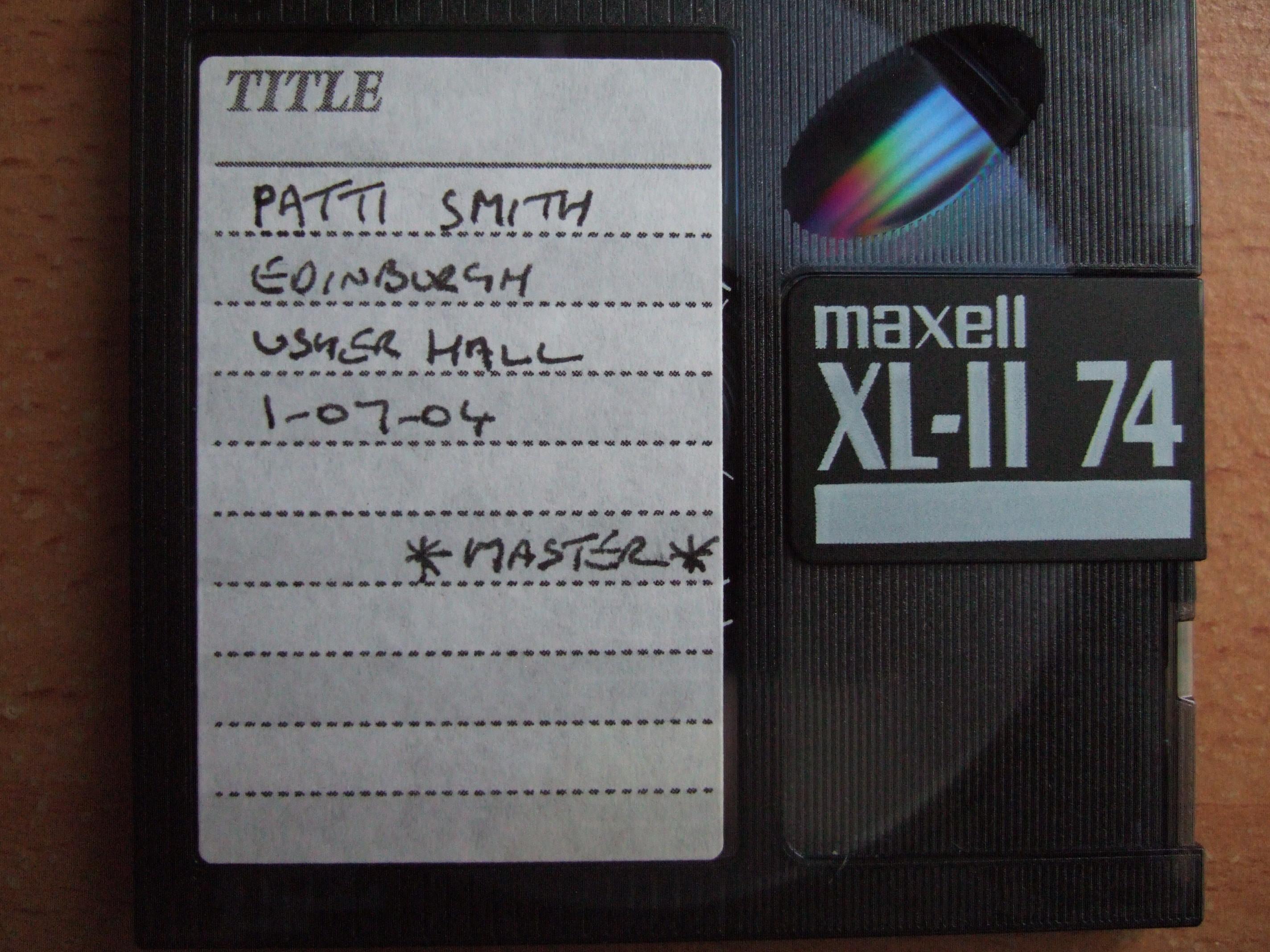 PattiSmith2004-07-01UsherHallEdinburghUK.jpg