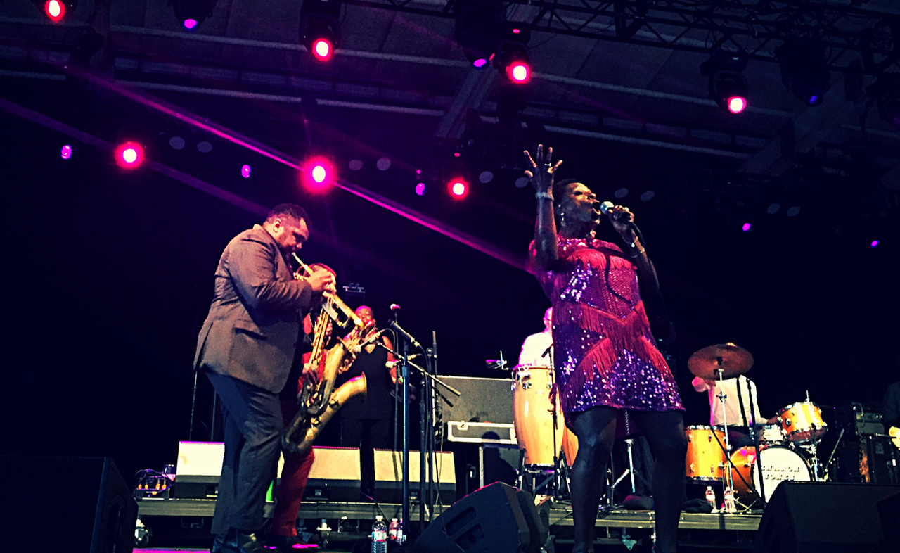 SharonJonesAndTheDapKings2015-08-01PierSixPavilionBaltimoreMD (2).jpg